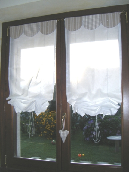 Risultati immagini per tende finestre antiche